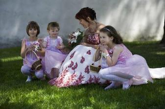 nevěsta s družičkama..:)