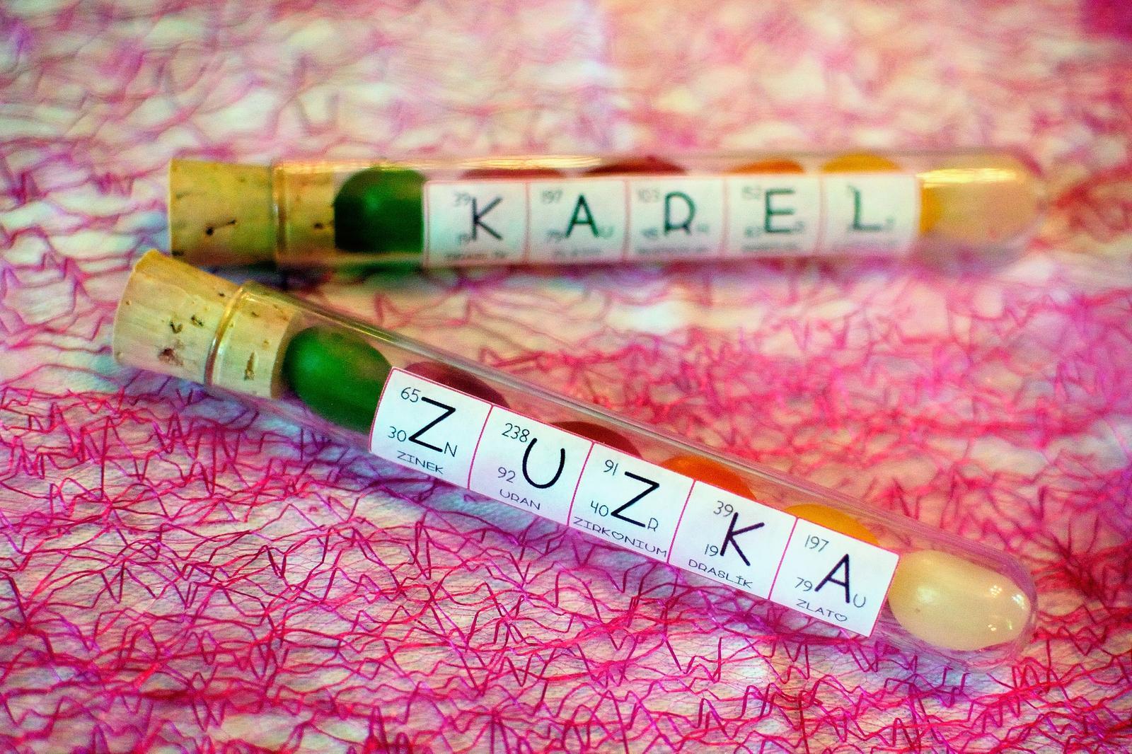 Zuzka{{_AND_}}Karel - Chemická výzdoba