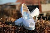 bílé svatební lodičky, 37