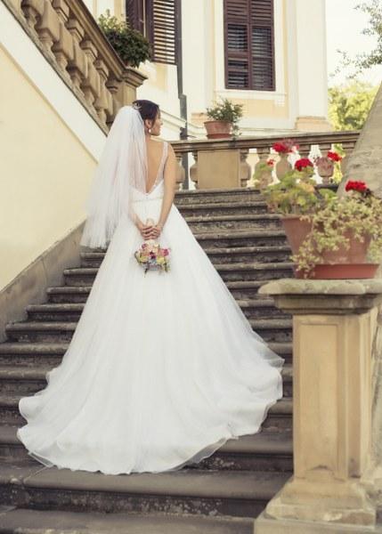 Všetky oči na chrbát - Krásne šaty na krásnej @vrbovcjanka :-)