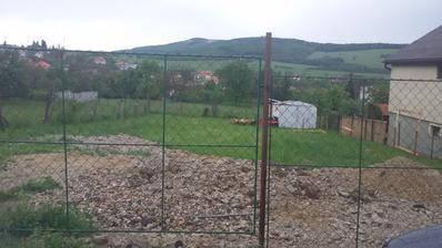 Pozemok, minulý rok sme postavili aspoň stavebnú búdu