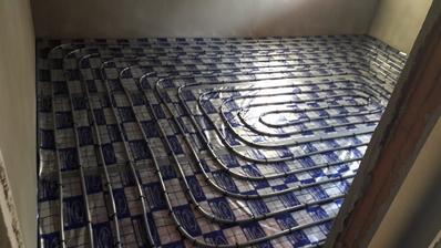 podlahové kúrenie napojené na plynový kotol