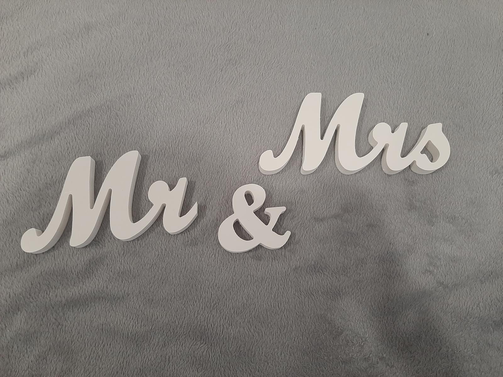 Mr & Mrs drevený nápis - Obrázok č. 1