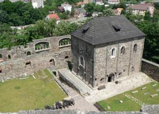 Tady se to stane, nádvoří chebského hradu :-)