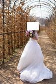 Svatební šaty + spodnice a závoj zdarma, 36