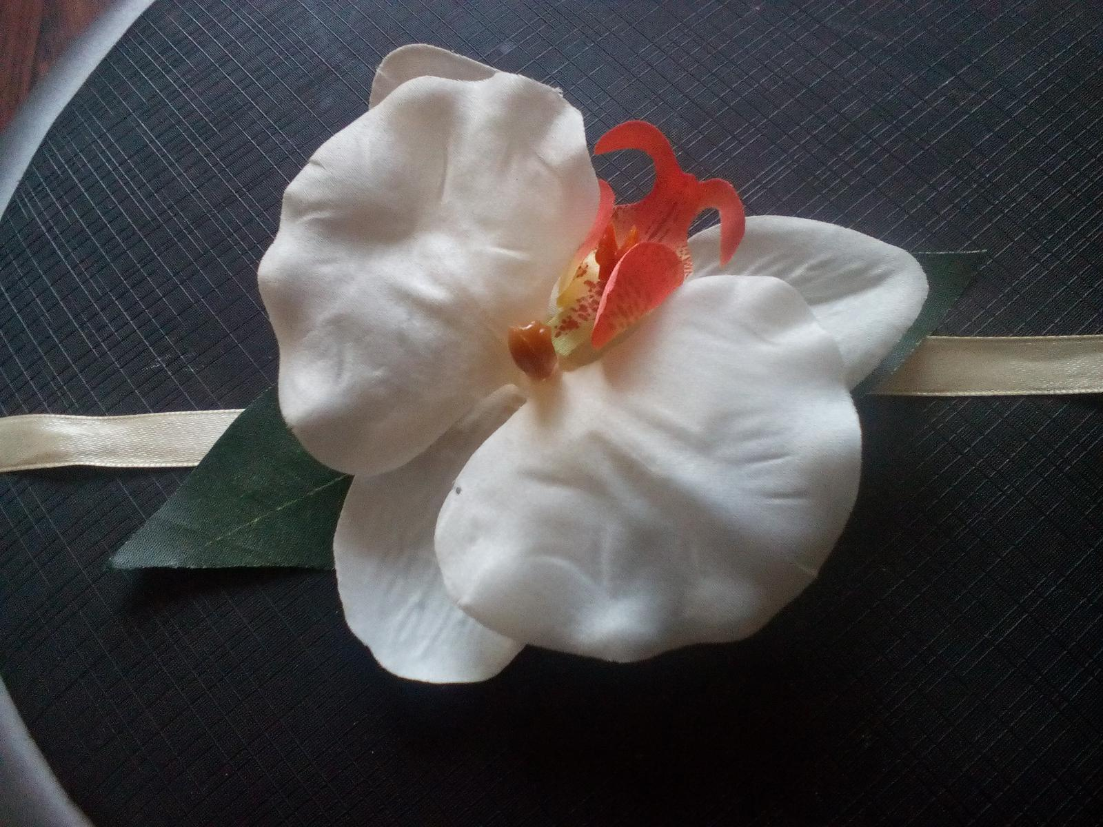 môj handmade náramok pre malé družičky <3 - Obrázok č. 1