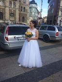 Svatebni šaty, 40