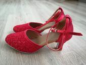 Červené tanečné topánky, 39