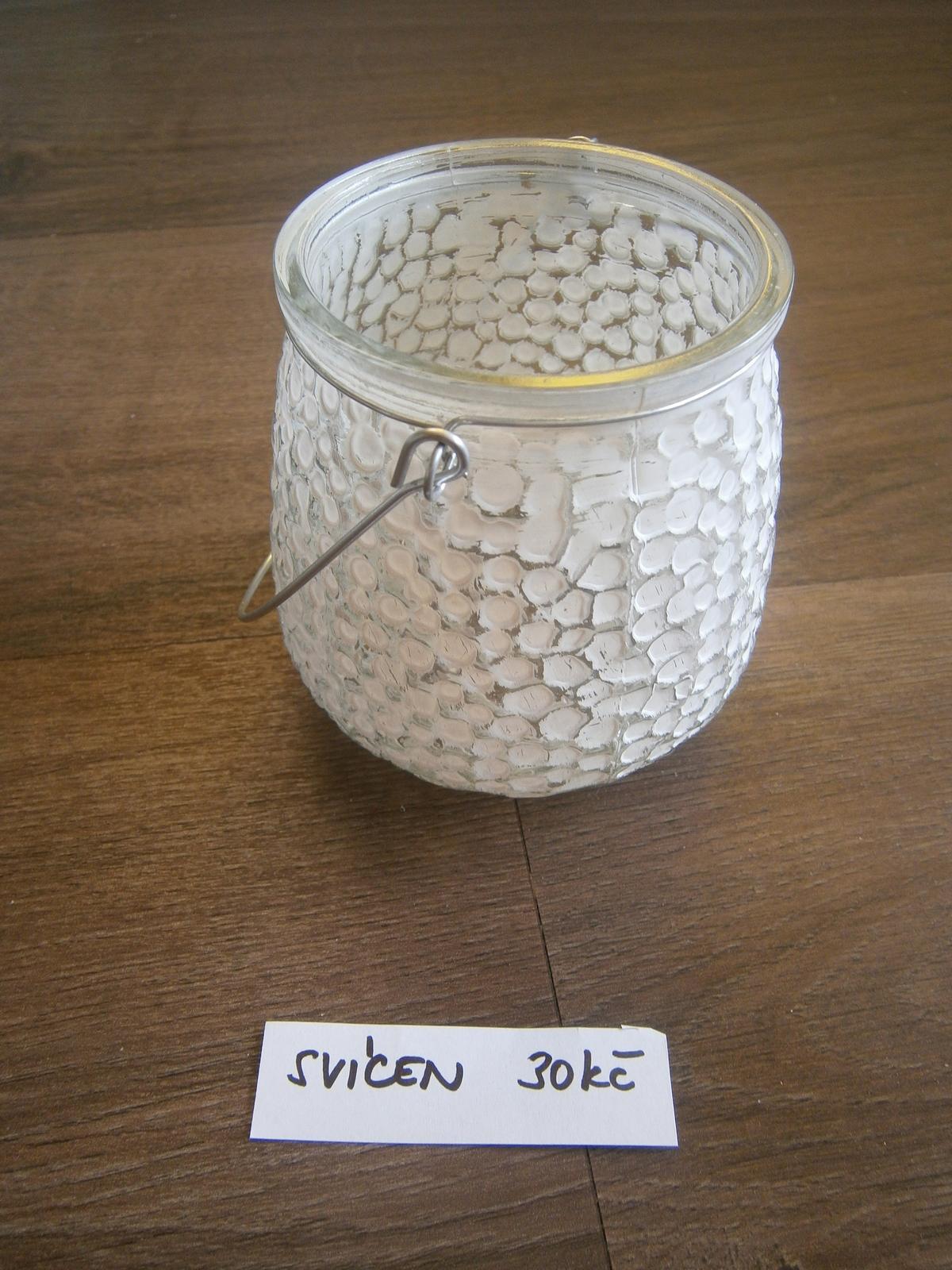 Svícen/ lucernička s bílými ťupkami - Obrázek č. 1