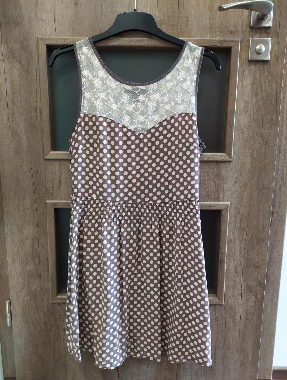 Popůlnoční puntíkaté šaty s krajkou zn. Orsay vel. 38/40 - Obrázek č. 4