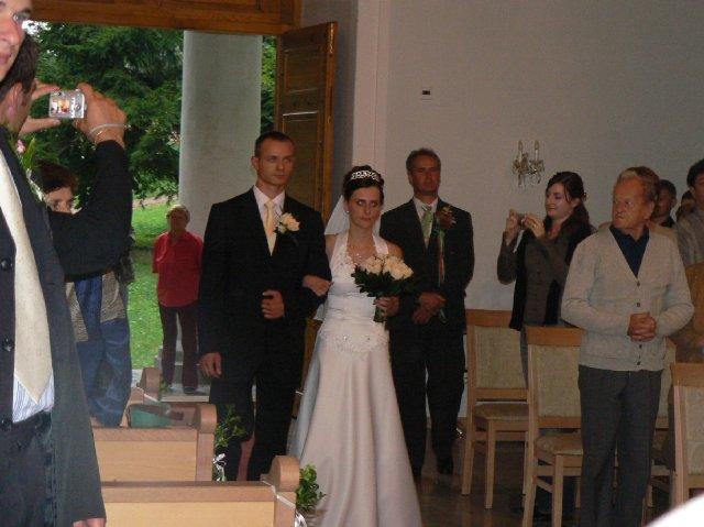 Terka{{_AND_}}Marek - Spoločný vstup do kostola