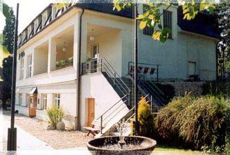 hostina a ubytování : z venku