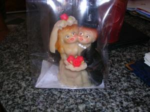 Tak to jsou naše objednané figurky na dort z marcipánu.