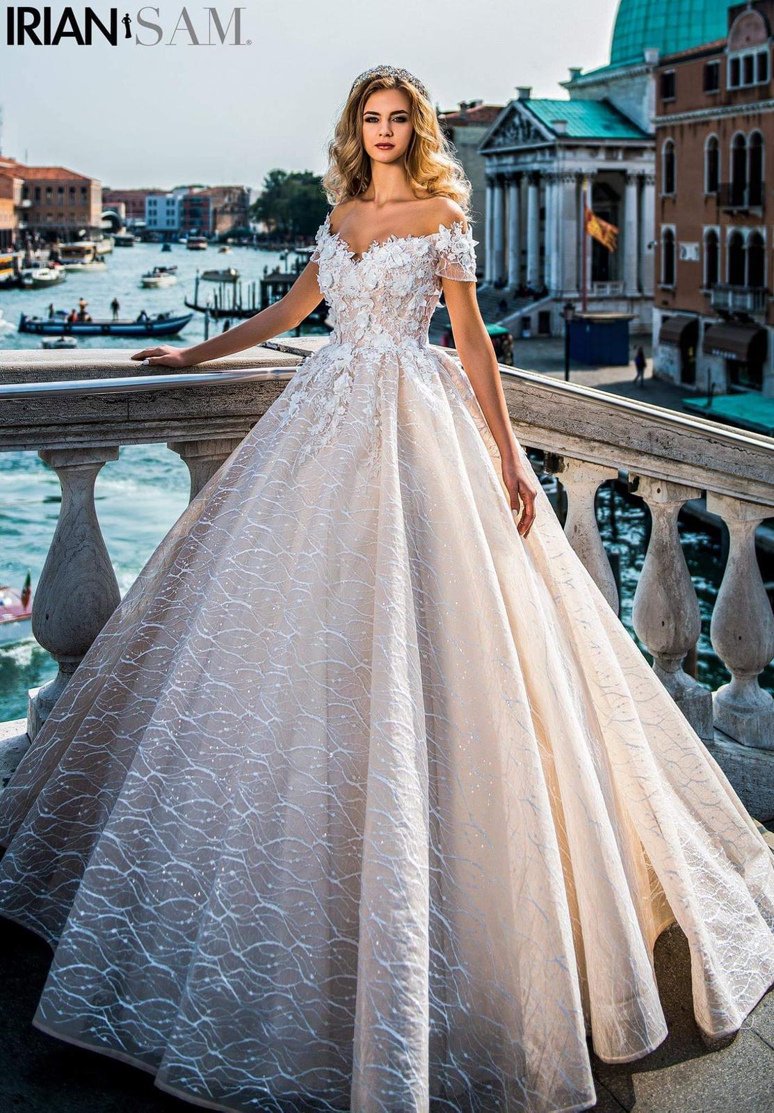 Predám svadobné šaty veľkosti... - Obrázok č. 1