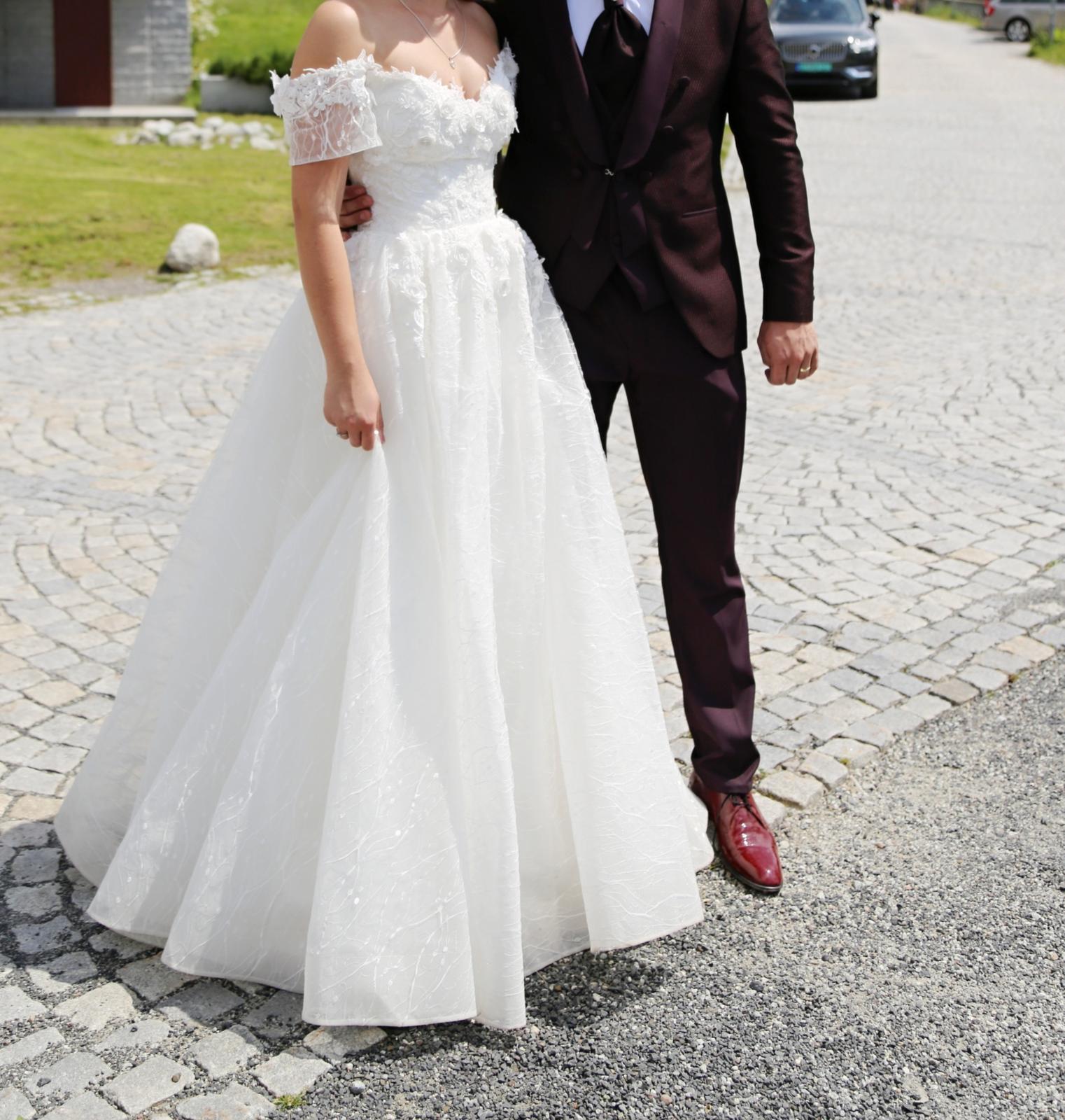 Predám svadobné šaty veľkosti... - Obrázok č. 2