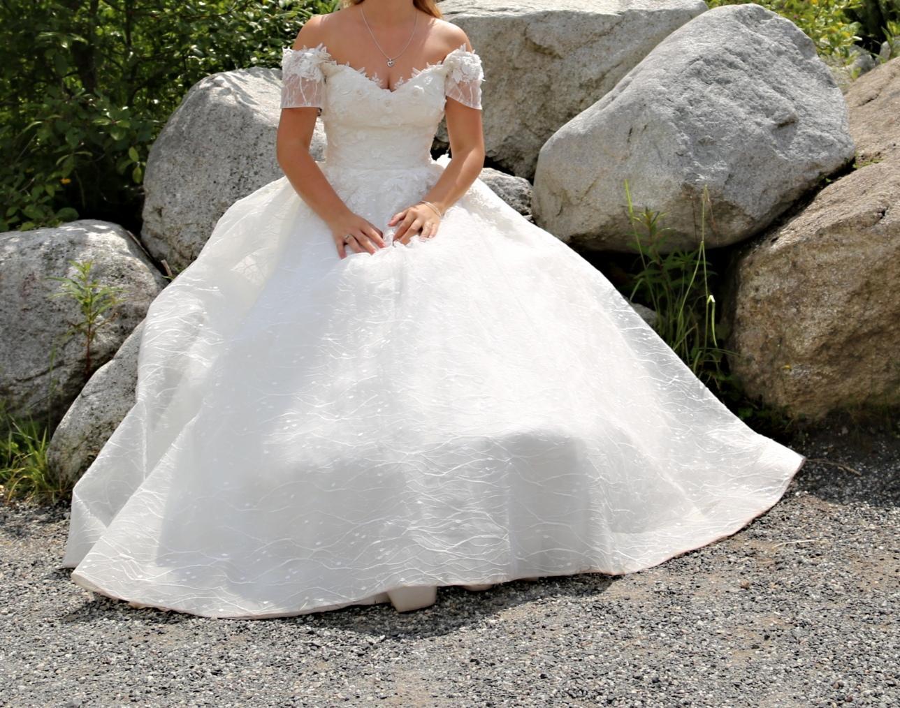 Predám svadobné šaty veľkosti... - Obrázok č. 3