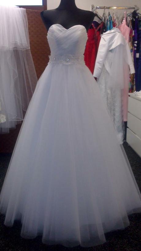 Svadobné šaty-ihneď k odberu - Obrázok č. 2