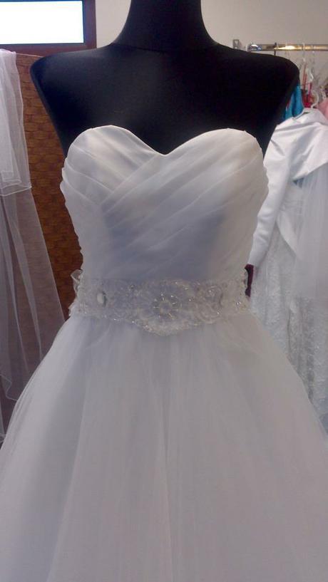 Svadobné šaty-ihneď k odberu - Obrázok č. 3