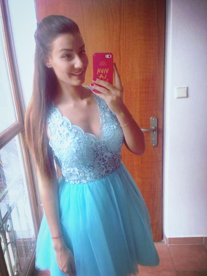 Modré spoločenské šaty - Obrázok č. 1