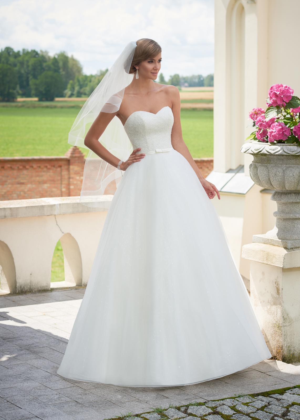 Svadobné šaty Kylie - Obrázok č. 1