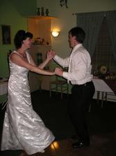 tanec nesměl chybět.