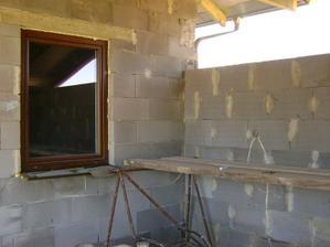 pohlad z terasy na kuchynske okno..
