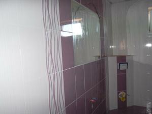 uz je zrkadlo, este chyba vymurovana skrinka pod umyvadlo a wc...