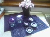 fialové doplnky,