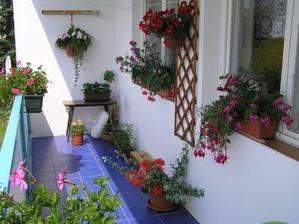 balkonek v létě