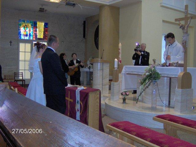 Martina Mojtová{{_AND_}}Anton Adamec - v kostole