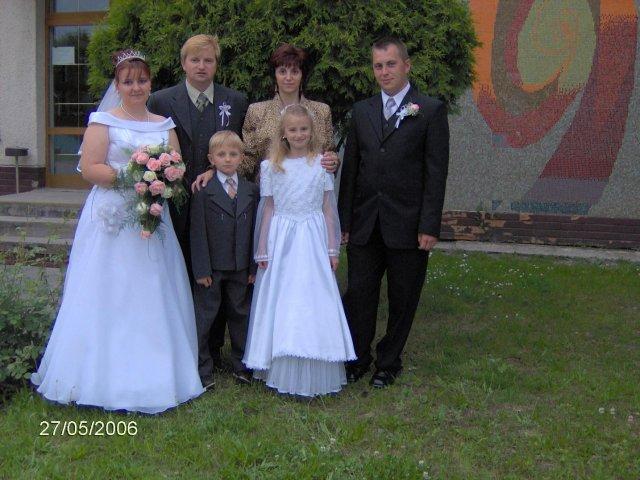 Martina Mojtová{{_AND_}}Anton Adamec - s krstnej rodinou