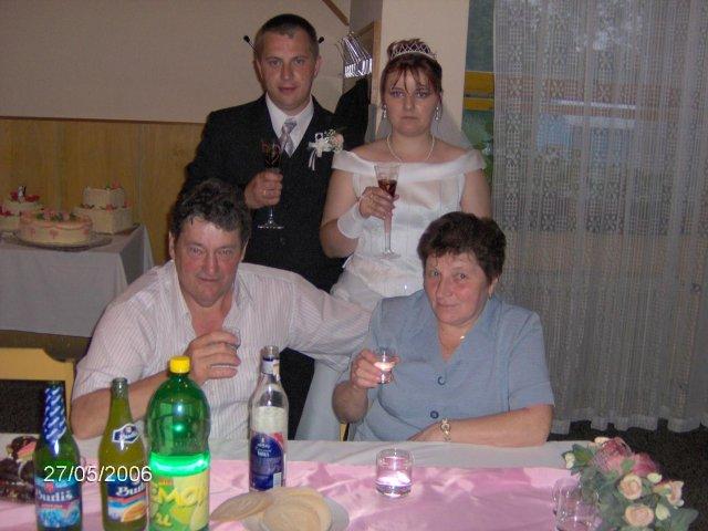 Martina Mojtová{{_AND_}}Anton Adamec - manželova rodina