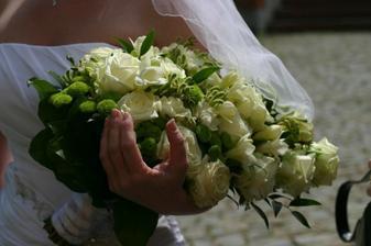 moje krásná svatební kytice, jen byla teda celkem těžká:)