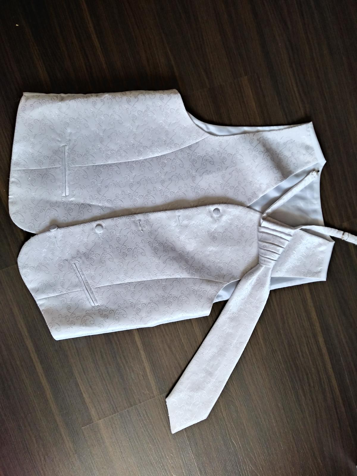 Vesta s kravatou - Obrázok č. 4