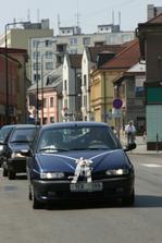 auto s ženichem