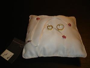 nadherny polstarek na prstynky...made in Adua