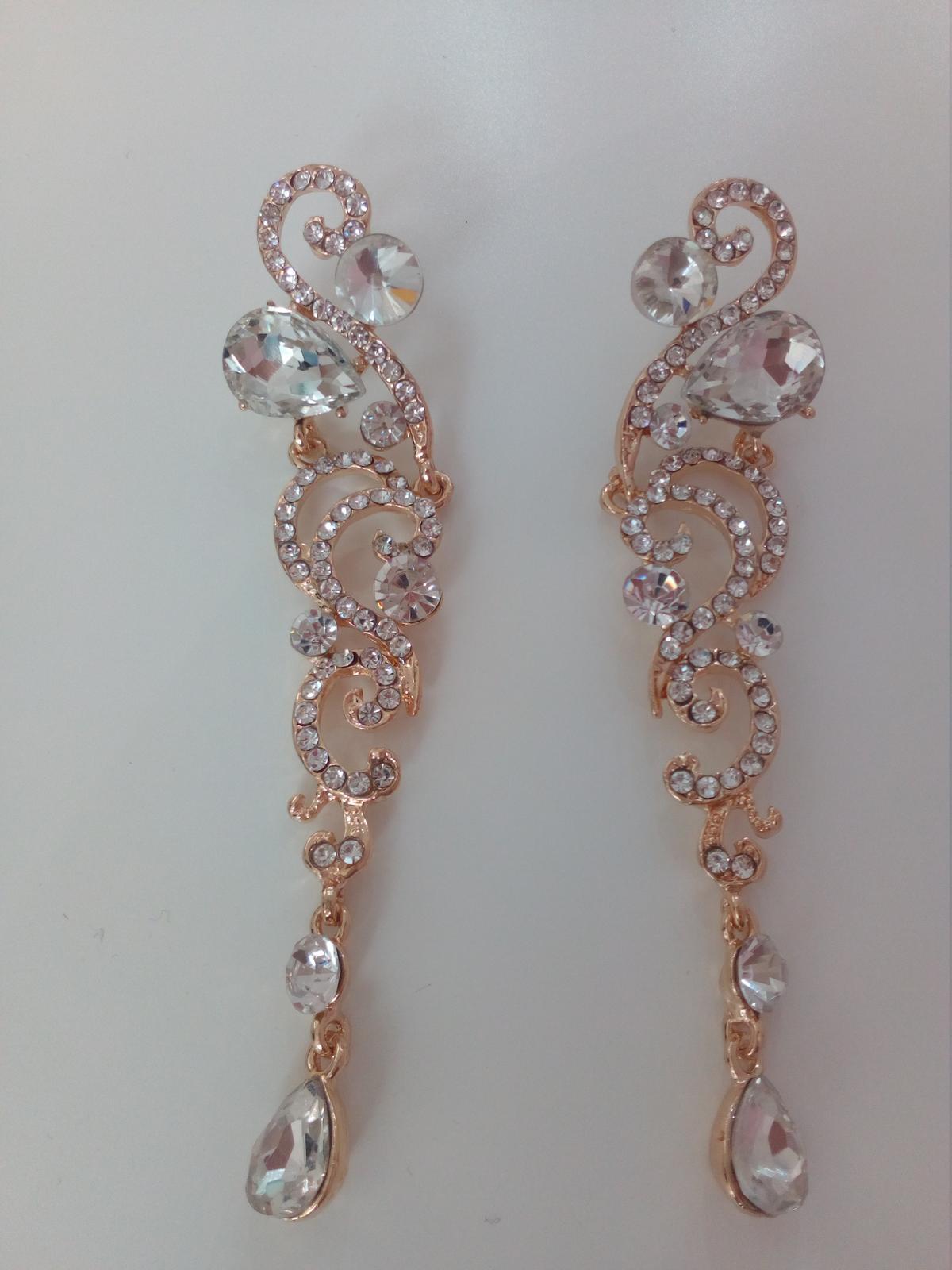 Elegantné zlato-strieborné dlhé naušnice - Obrázok č. 2