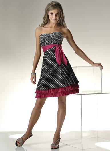 Krátke šaty Flirt - P1314 - Obrázok č. 1