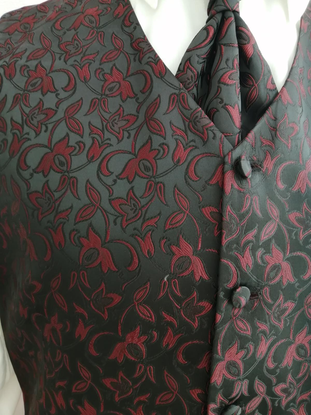 Svadobná vesta - čierno bordová - Wilvorst - Obrázok č. 2