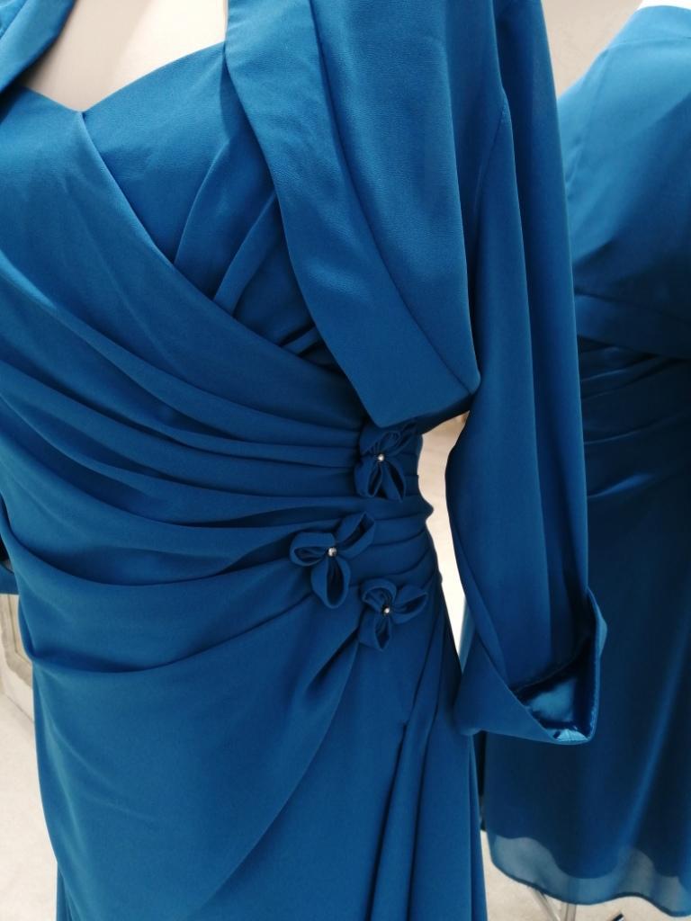 Krátke spoločenské šaty pre moletky - Obrázok č. 2