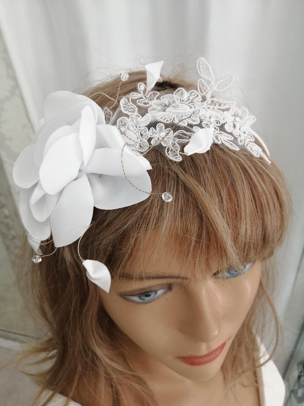 Čelenka s kvetom biela a ivory - Obrázok č. 1
