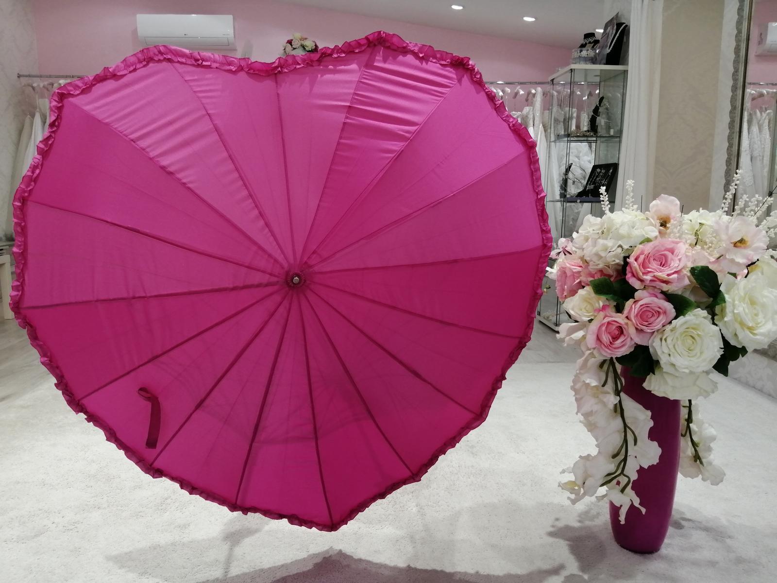 Dáždnik v tvare srdca - Obrázok č. 1