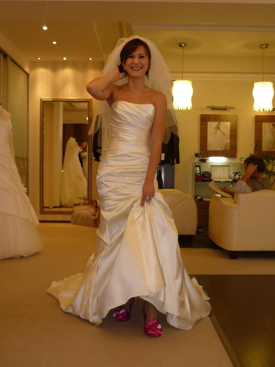 Svadba 6.8.2011 - Už aj s topánkami...