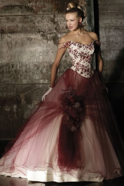 Krááásne červeno-biele šaty - Obrázok č. 28