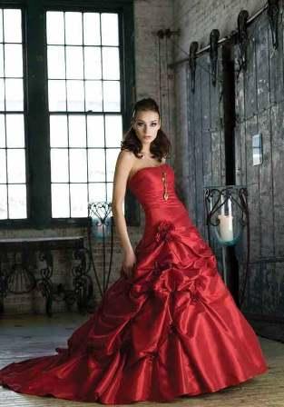 Krááásne červeno-biele šaty - Obrázok č. 36