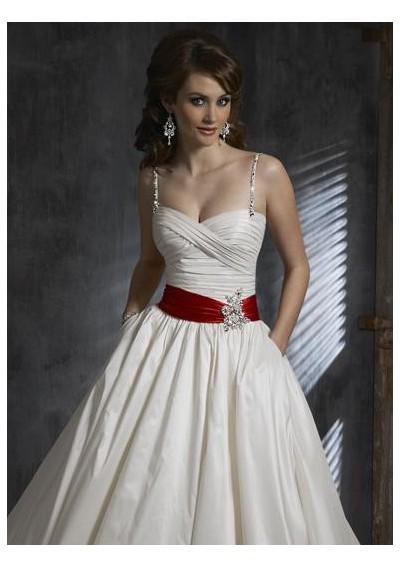 Krááásne červeno-biele šaty - Obrázok č. 68