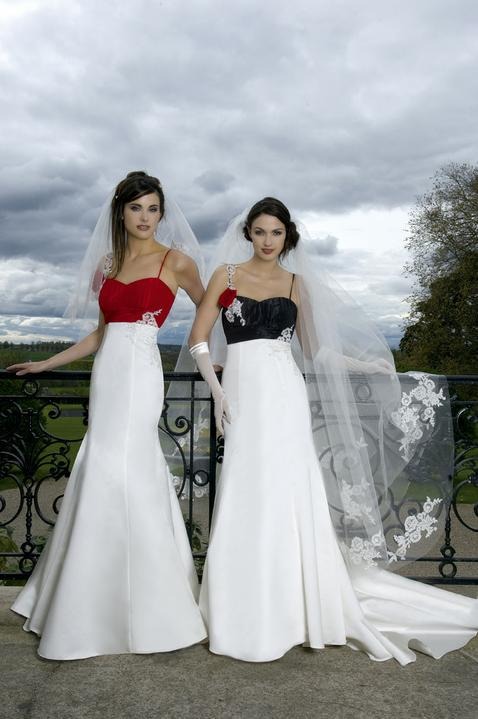 Krááásne červeno-biele šaty - Obrázok č. 70