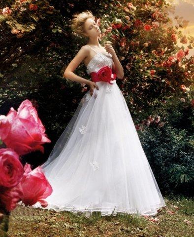 Krááásne červeno-biele šaty - Obrázok č. 75
