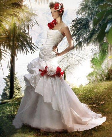 Krááásne červeno-biele šaty - Obrázok č. 78
