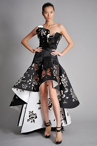 02fca6b18629 Krááásne čierno-biele šaty - Album užívateľky extra - Foto 156 ...